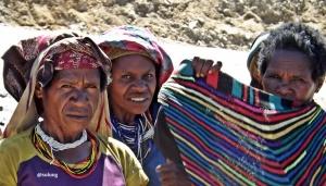 Perempuan suku Moni, Agustus 2015.